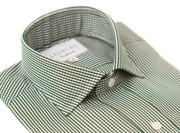 The Green Cross Cutaway Slim Fit collar