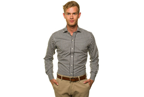 The Black Parker Gingham Slim Fit modelcrop